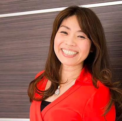 (社)日本フラワー風水協会理事長 幸運研究家 岡安美智子
